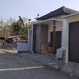 Rumah Cantik Harga Termurah Di Bangunjiwo  Lantai Granit