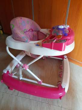 Baby walker atau apolo bayi