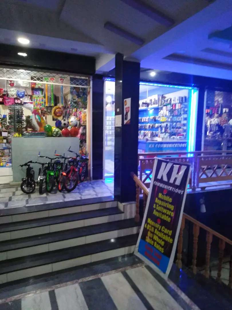 Running mobile shop for sale 0