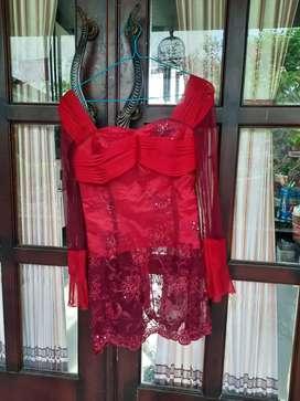 Kebaya cantik Merah elegan dipakai