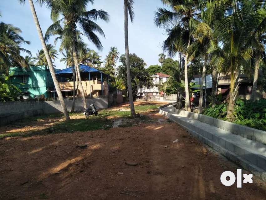 Plot for sale opposite to ananthapuri hospital,bike access 6.5per cent 0
