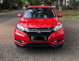 Honda hrv e cvt 2015 (low km)