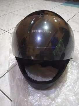 Helm Honda masih baru