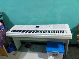 Jual cepat keyboard piano yahmaha