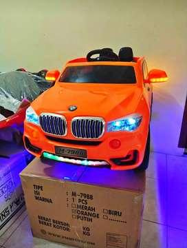 [COD] Mobil Mainan Aki BMW / Mobil Mainan Remot Yang Bisa Dinaiki