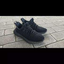 Adidas YEZZY V2 TRIPLE BLACK Hollow Original