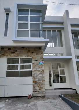 Rumah baru dikontrakan, belakang UMM, dekat UB Malang