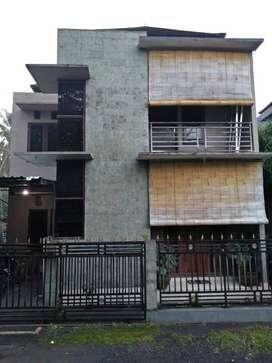 Rumah Minimalis Lantai 2 Di Pusat Kota Gianyar Bali Dekat RS Sanjiwani