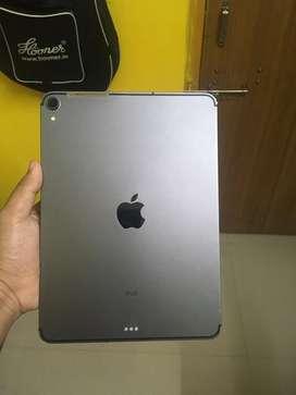 iPad Pro 2018 11 inch WiFi + Cellular , 64GB , With Apple Pencil