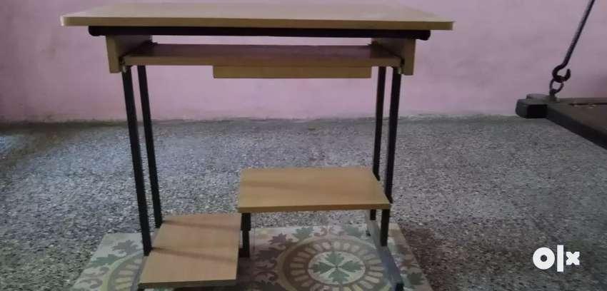 Urgent sale - Computer table 0