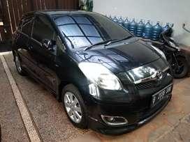 Toyota yaris S limited AT 2011 1tangan dari baru