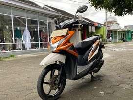 Honda Beat 2014 Orange Putih