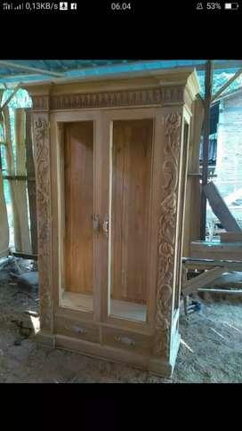 Almari koliby pintu 2. Bahan dari kayu jati berkualitas