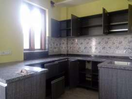 Builder floor semi furnished sector 23