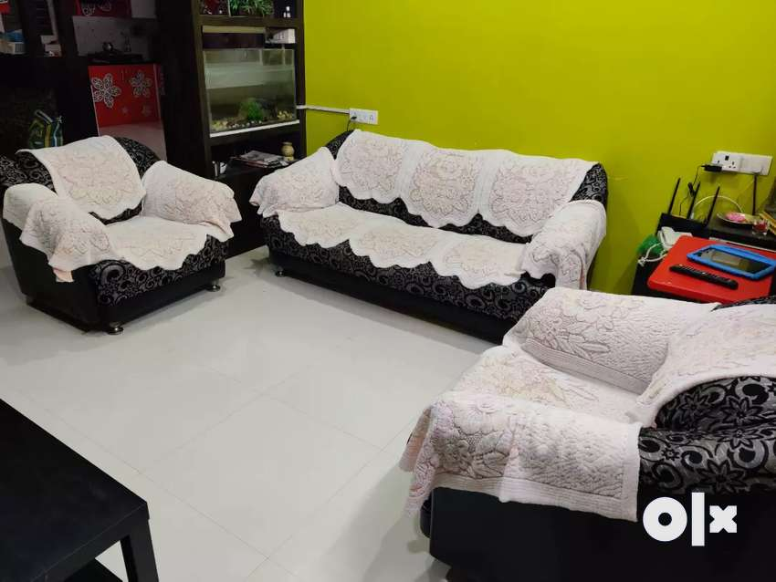 Want to sell 3y old Fabric Sofa 3 +1+1 0