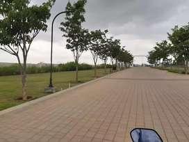 5 marlas plot=12 50 lac near white diomand hotel 66 ft road for sale