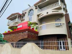 10 bedded building with all attached bathrooms and parking area