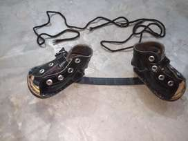D b shoes free Rs0