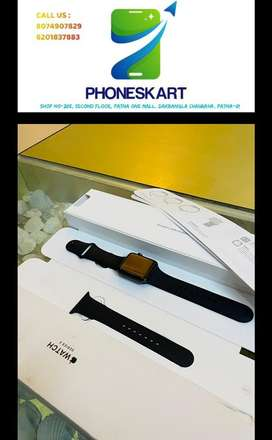 Apple Watch Series 3 42MM GPS Space Grey Aluminium Case in New Conditi