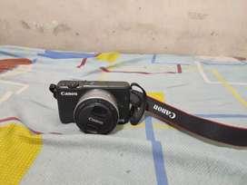 Canon Mirrorless M10 Lensa Fix