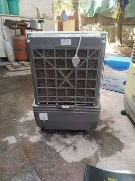 Bajaj 23 litres air cooler white