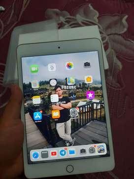 iPad mini 5 second like new