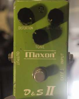 Maxon d&s II distortion and sustainer