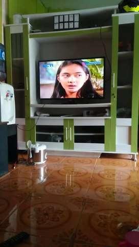 Lemari tv Ukuran 160x40x180