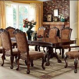 Meja makan ukiran klasik ruang makan