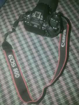 Available 80d Canon all accessories in Canon