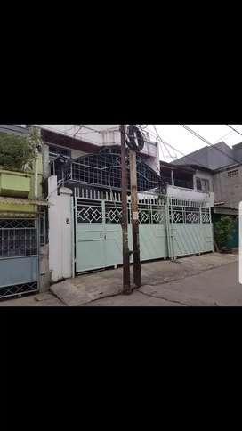 Rumah Lantai 2 & Lantai 3 Di Pejagalan, Penjaringan.(kode rmrg481)