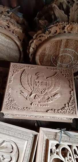 Kotak perhiasan dari kayu jati
