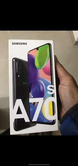 Samsung A70s (black)