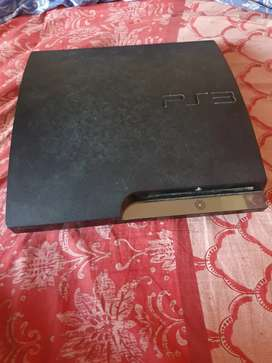 PS3 WITH 5 CONTROLLERS