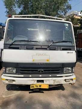 Tata 709 lpt 17 footy diesal 2015 model