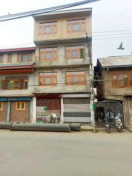 3 sets available at Natipora chowkh  Srinagar