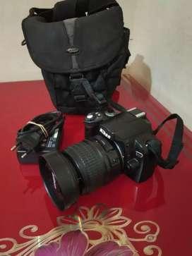 Dijual cepat Kamera DSLR Nikon D40 kit 18-55mm