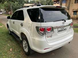 Toyota Fortuner 4x4 Manual Limited Edition, 2014, Diesel