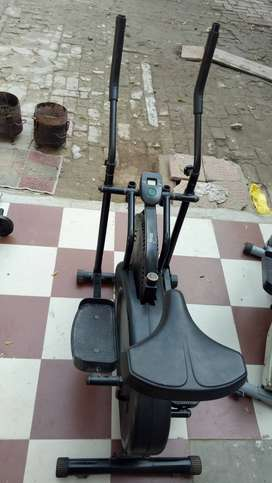 Cross Trainer Sitting with gym seat (2 items)