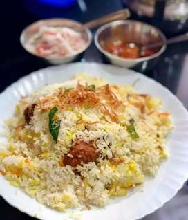 South Indian and Chinese Allrounder cook for a small hotel