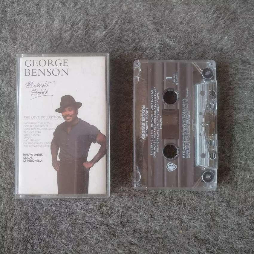 Kaset album George Benson - Midnight Moods