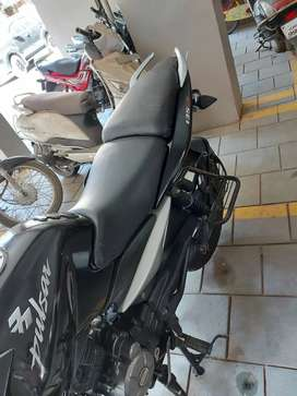 Bike bajaj 135 cc pulsar