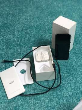 Iphone 6 16gb complete box except adapter