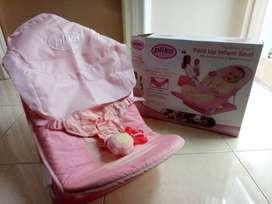 Fold Up Infant Saeat Merk Pliko