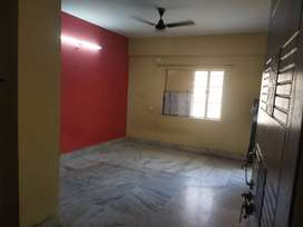 2 BHK 1000 Sq-ft Flat, 2 (Out of 4 Floors)