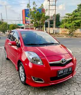 Yaris S limited matic 2010.