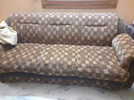 5 seater sofa set. 8 year old. Condition excellent.