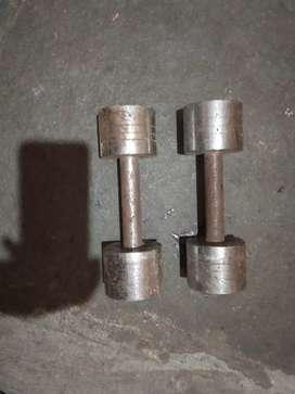 Dumbles pair ( 5 kg each )