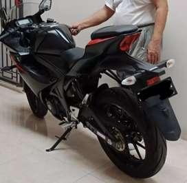 Suzuki GSX R150..kondisi mulus, surat lengkap, pajak hidup.
