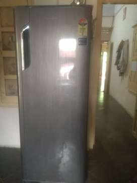 Whirlpool 280 liter single door